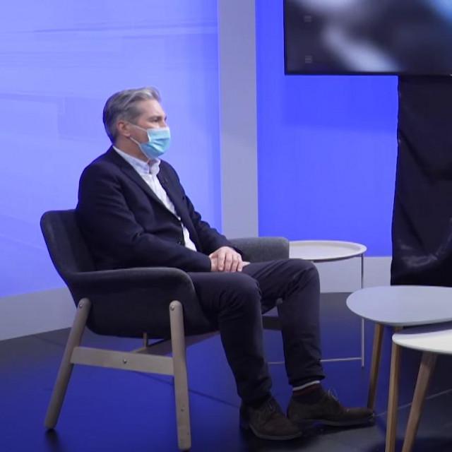 Prof. dr.sc. Ivica Lukšić (lijevo) i novinar Boris Orešić (desno)