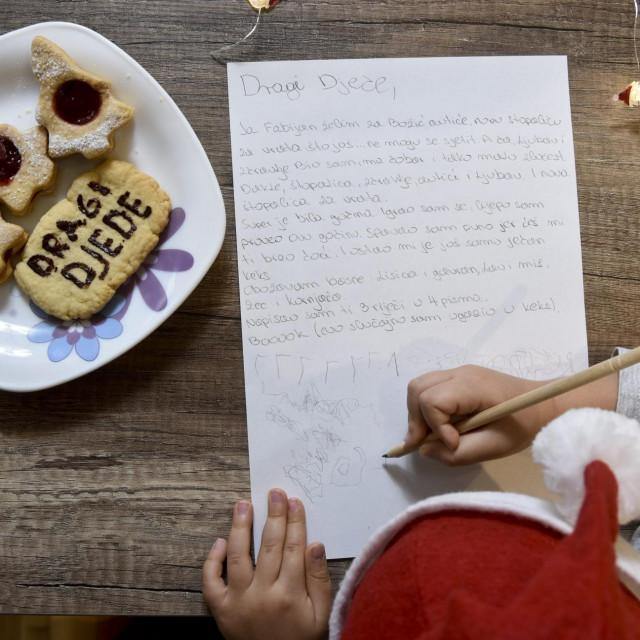 Dugo Selo, 101120.<br /> Ulica 30. svibnja.<br /> Fabijan Krolo, djecak koji je napisao pismo Djedu Bozicnjaku.<br />