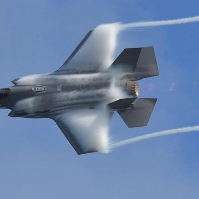 borbeni avion pete generacije F-35 Lightning II Lockheed Marina