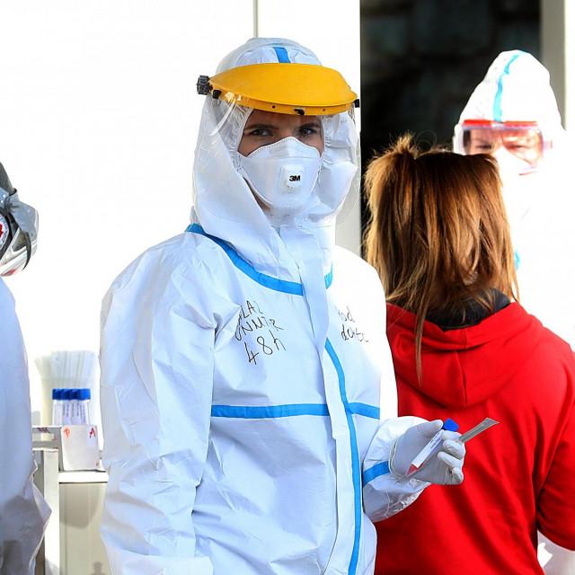 Zagreb, 071220.<br /> Gradjani se testiraju na koronavirus u na Nastavnom zavodu za javno zdravstvo Andrija Stamapar<br />