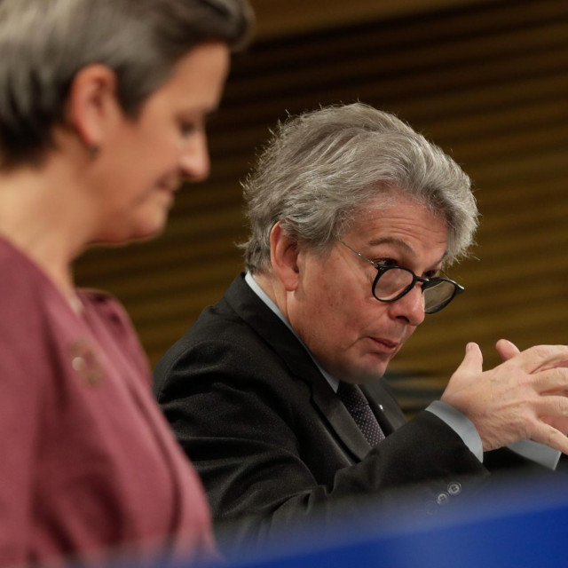 European Executive Vice-President Margrethe Vestager (L) and European Commissioner for Internal Market and Services Thierry Breton gives a joint press conference on the Data Governance Act at the European Commission in Brussels on November 25, 2020. (Photo by STEPHANIE LECOCQ/POOL/AFP)