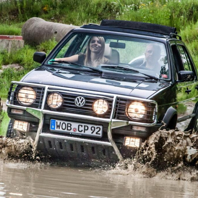 VW Golf Country
