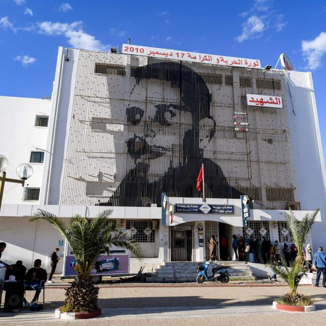 Trg Mohameda Bouazizija u Sidi Bouzidu