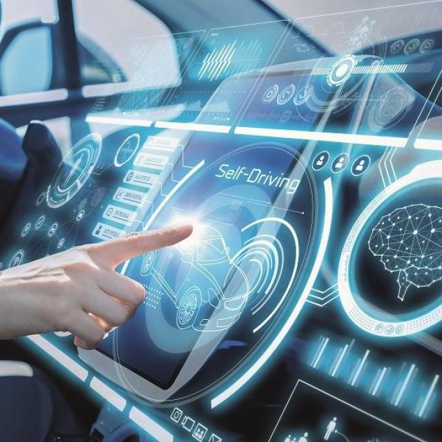 Instrumentna ploča budućnosti