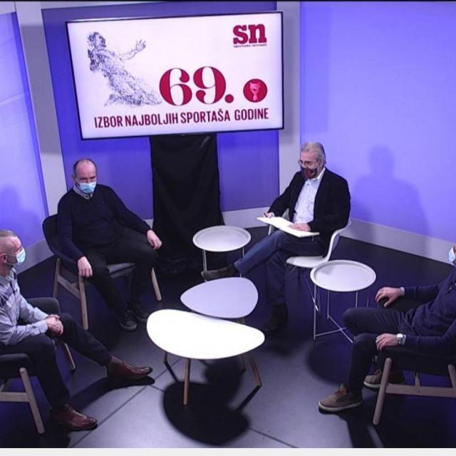Slijeva nadesno: Željko Mavrović, Renato Čengić, voditelj Dean Bauer i Marijo Možnik u studiju Hanza Medije