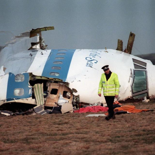 Olupina srušenog aviona
