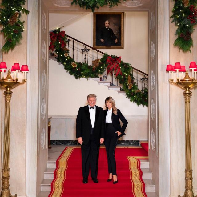 Božićna čestitka Donalda i Melanije Trump