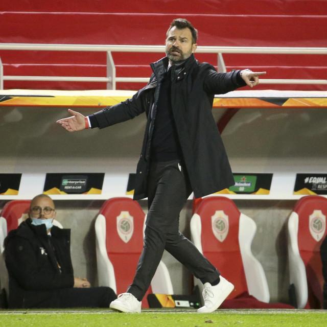 25 utakmica je Leko vodio Antwerp (13 pobjeda, 4 remija, 8 poraza)