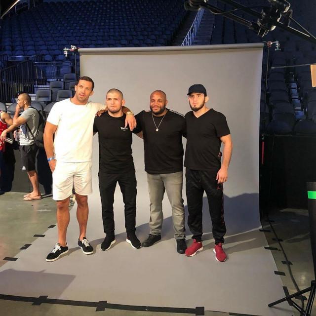 Luke Rockhold, Khabib Nurmagomedov, Daniel Cormier i Islam Makhachev