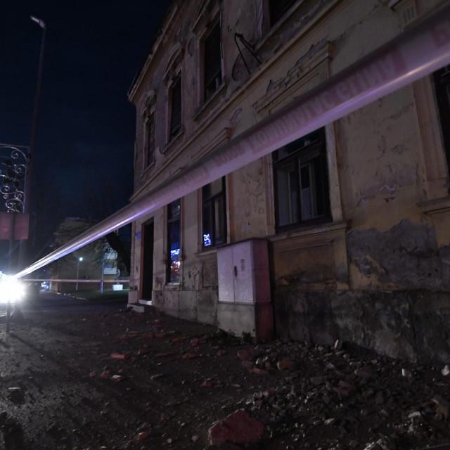Prizor iz Gline nakon najjačeg potresa magnitude 6.2