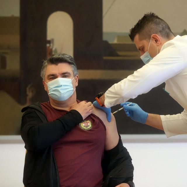 Predsjednik Republike Zoran Milanović cijepio se protiv koranavirusa
