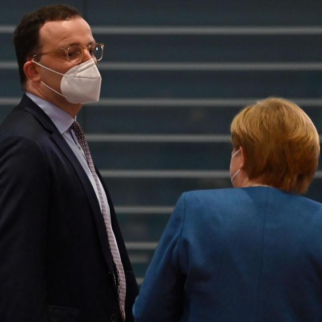 Jens Spahn i Angela Merkel