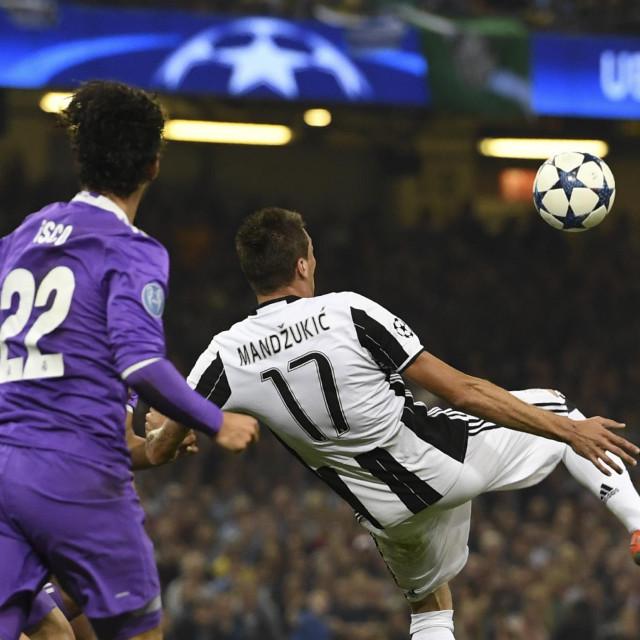 Mario Mandžukić bio je prvak Italije s Juventusom, hoće li naslov uzeti i s Milanom?