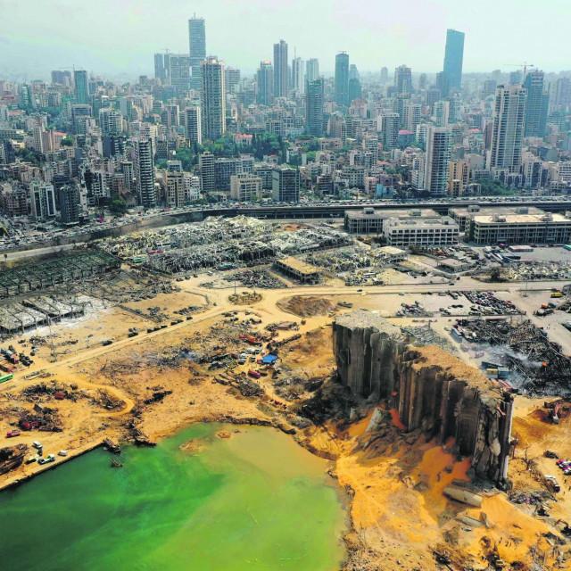 Razorena luka u Bejrutu