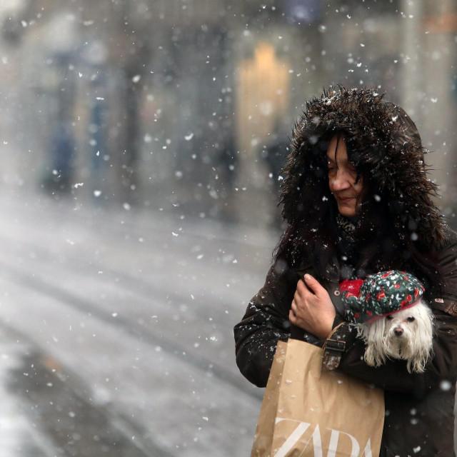 Zagreb, 100121.<br /> Trg bana Jelacica<br /> Prvo jaci ovogodisnji snijeg zabijelio je zagrebacke ulice.<br />