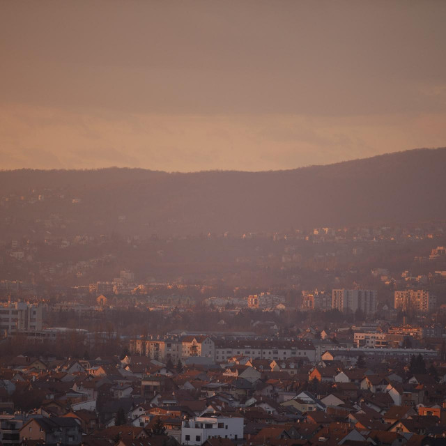 Zagreb prekriven smogom
