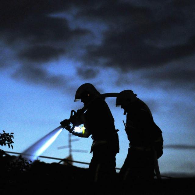 Vatrogasci, ilustracija