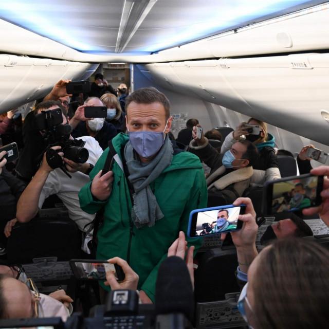 Aleksej Navaljni u avionu za Moskvu