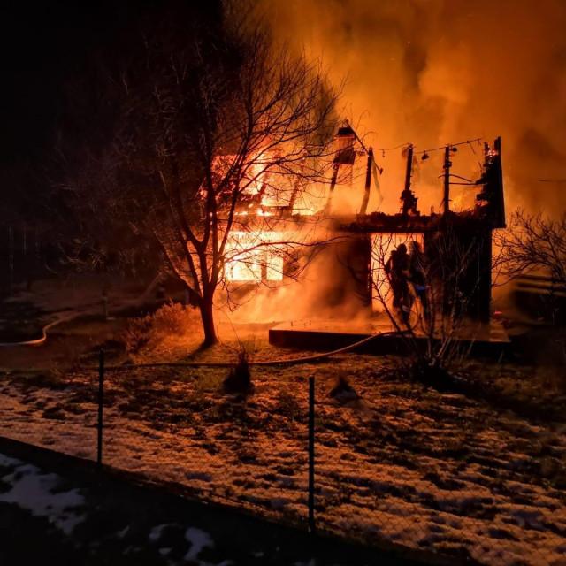Požar u u Petrovini Turopoljskoj