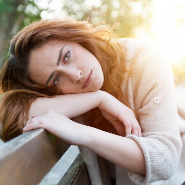 Određena doza brige pomaže ljudima da prebrode dan - to je onaj mali pritisak koji nas motivira da dovršimo zadatke i da održavamo uobičajeni dnevni ritam. Međutim, previše brige mogao bi biti jedan od simptoma anksioznog poremećaja