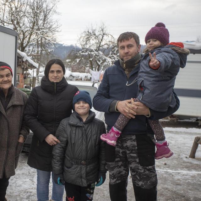 Obitelj Dragić iz mjesta Mostanica kod Petrinje