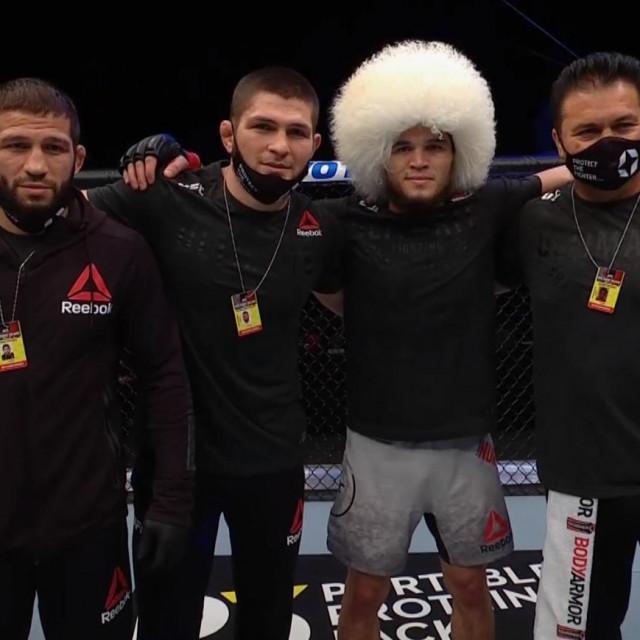 Shamil Zavurov, Khabib Nurmagomedov, Umar Nurmagomedov i Javier Mendez