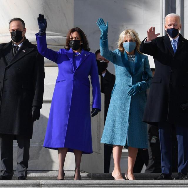 Doug Emhoff i Kamala Harris te Jill Biden i Joe Biden