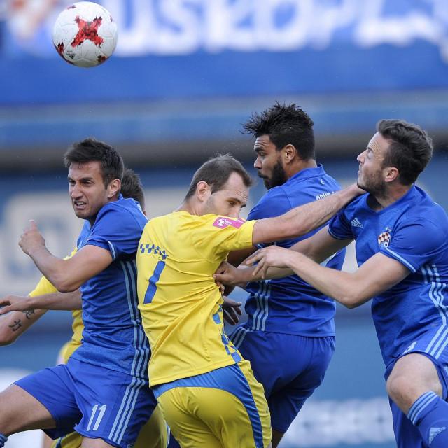 Soudani (drugi zdesna) u Dinamovom dresu<br />