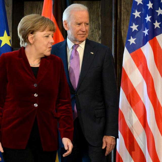 Angela Merkel i novoizabrani predsjednik Joe Biden tijekom sigurnosne konferencije u Munichu u veljači 2015.<br />