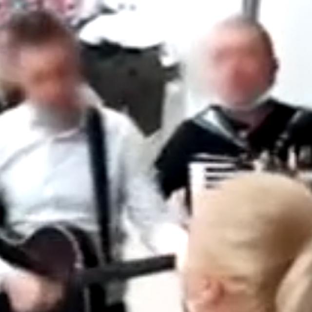 Prizor iz snimke zabave u KB Dubravi