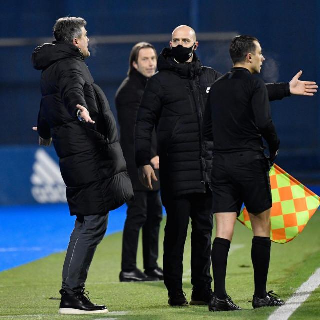 Ljutnja na Dinamovoj klupi nakon jedne od Zebecovih odluka