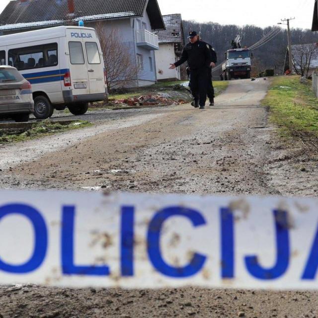 Policijski očevid u ulici Jana Žiške u Pakracu