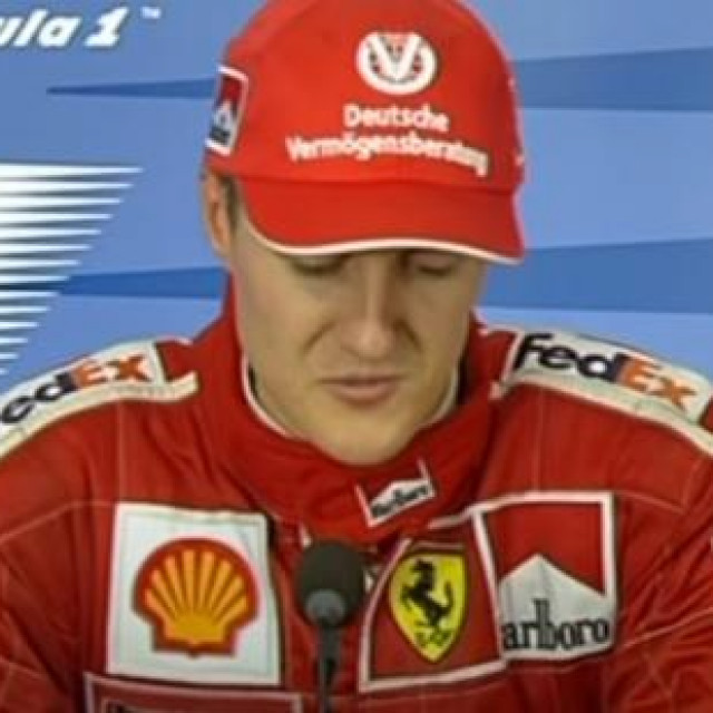 Michael Schumacher na jednoj od press-konferencija