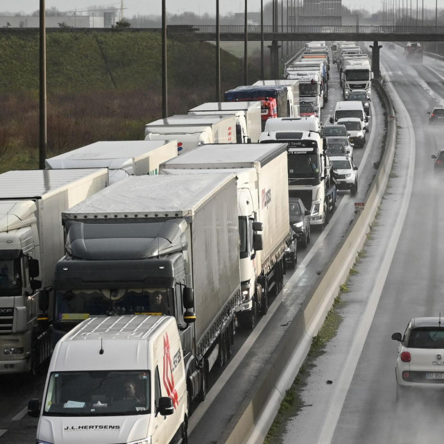 Kamioni koji idu za Britaniju