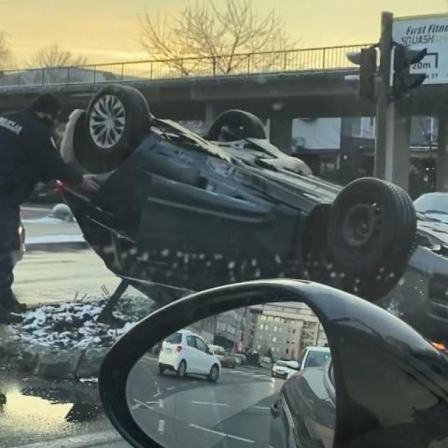 Prometna nesreća na križanju Branimirove i Zavrtnice