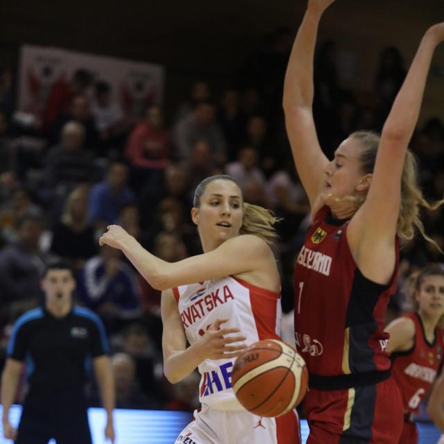 Ivana Dojkić