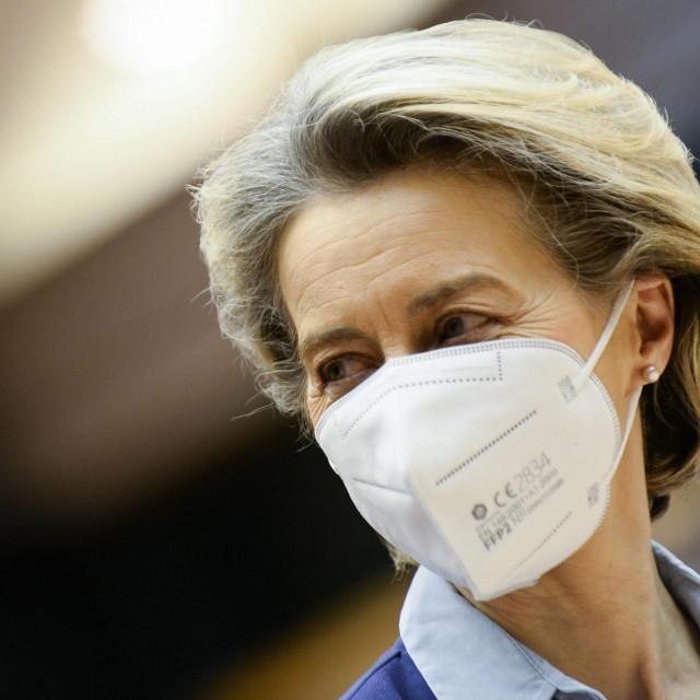 """Ursula von der Leyen je dio kritika spriječila sama priznavši da Komisija """"duboko žali"""" zbog greške"""