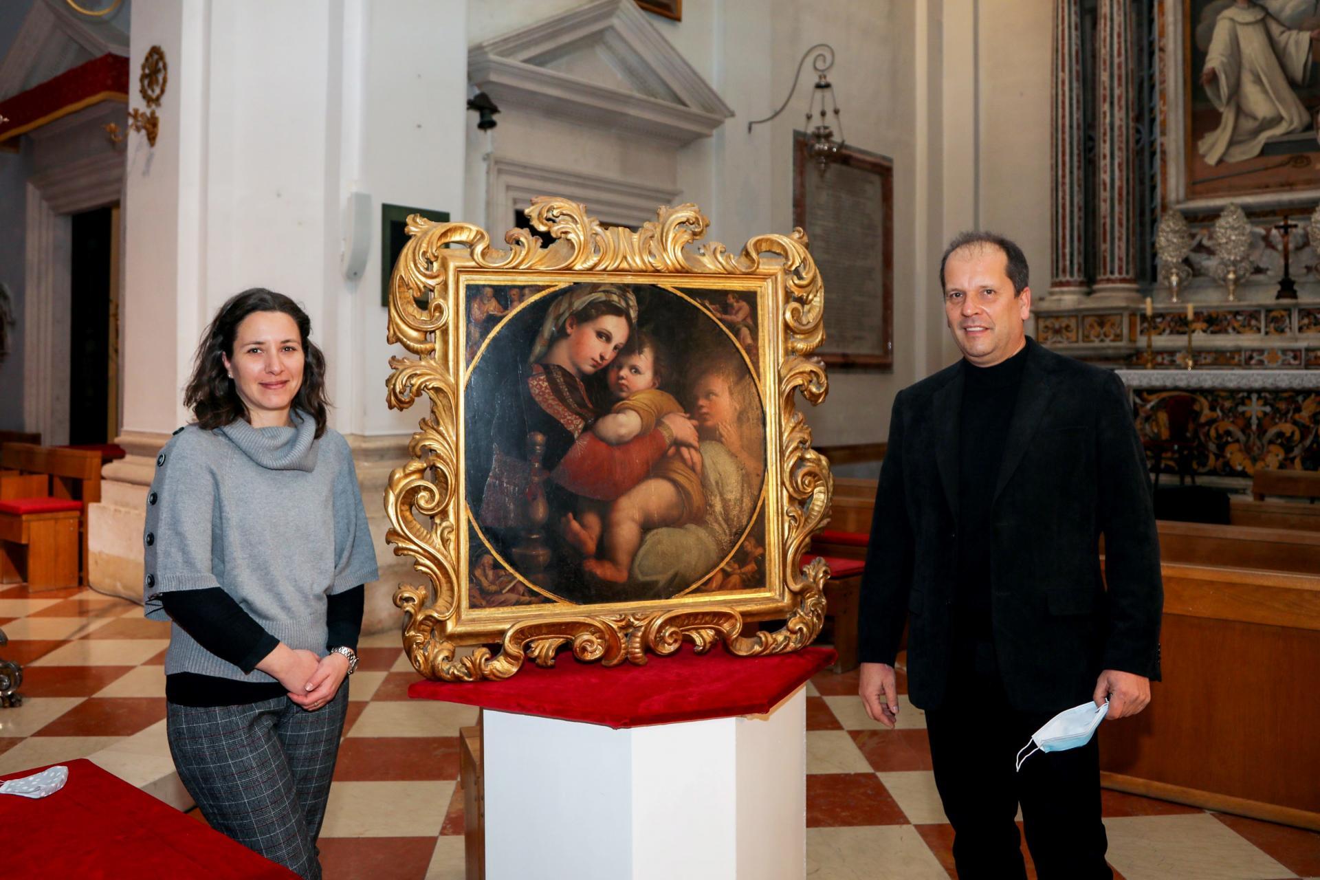 Tanja Trška i Denis Vokić kraj slike Madonna della Sedia -Božo Radić/Cropix