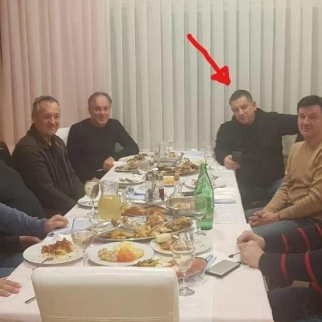 Nikola Blažević s društvom