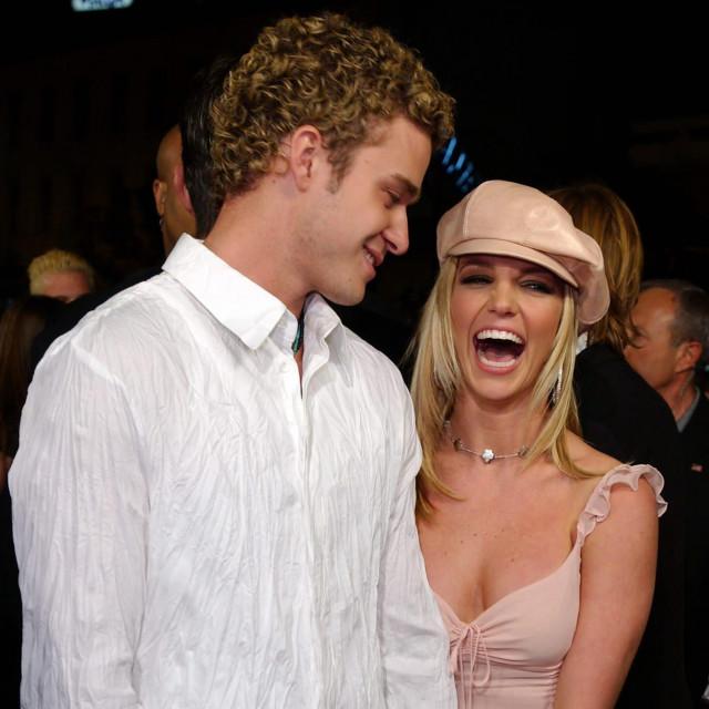 """Justin Timberlake i Britney Spears u veljači 2002. godine na premijeri filma """"Crossroads"""" u koje je pjevačica igrala jednu od glavnih uloga"""