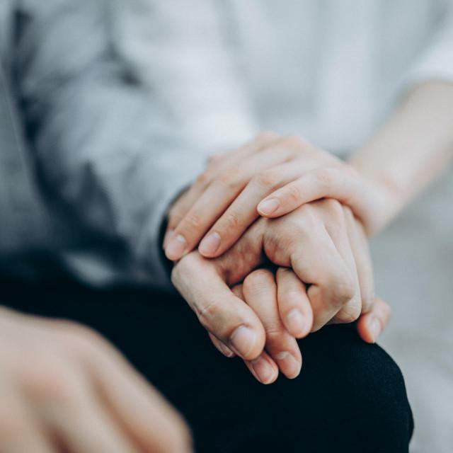 Hrvatska liga protiv raka dugi niz godina pruža psihološku pomoć svojim korisnicima u obliku radionica, predavanja, druženja, izmjene iskustava