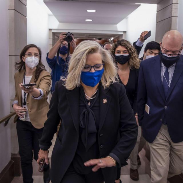 Kći Bushova potpredsjednika Dicka Cheneyja, Liz Cheney (sredina), bila je među prvim utjecajnim članovima Republikanske stranke koji su pozvali na pobunu protiv Trumpa