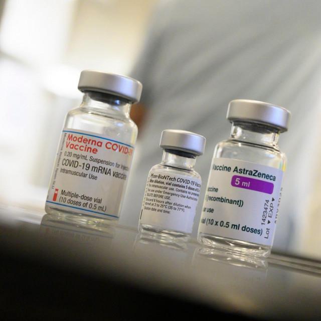 Doze cjepiva koje proizvodi Moderna, Pfizer-BioNTech i AstraZeneca