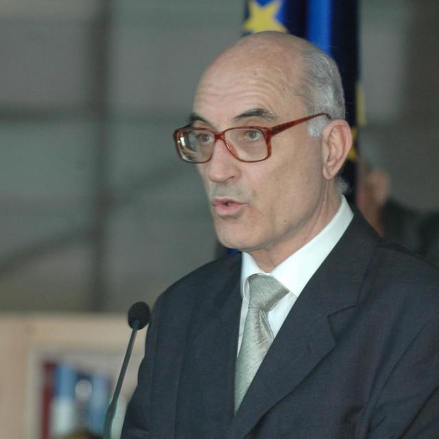 U NSK-u je radio od 1972. a na mjestu glavnog ravnatelja bio je od 2002. do 2007. godine