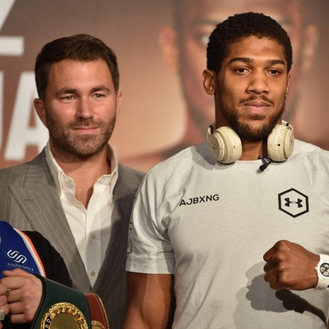 Eddie Hearn i Anthony Joshua