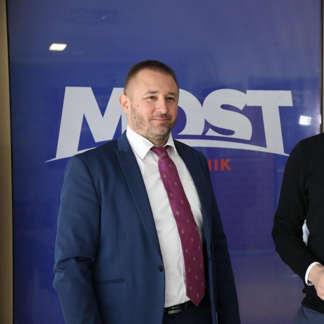 Božo Petrov i kandidat, Maro Kristić<br />