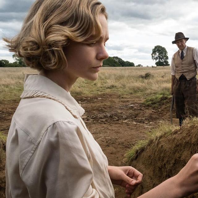 "Carey Mulligan kaoEdith Pretty i Ralph Fiennes kaoBasil Brownu filmu""The Dig"""