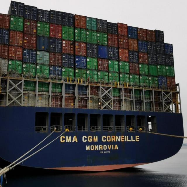 Brodom CMA CGM Corneille u Rijeku stigla pošiljka
