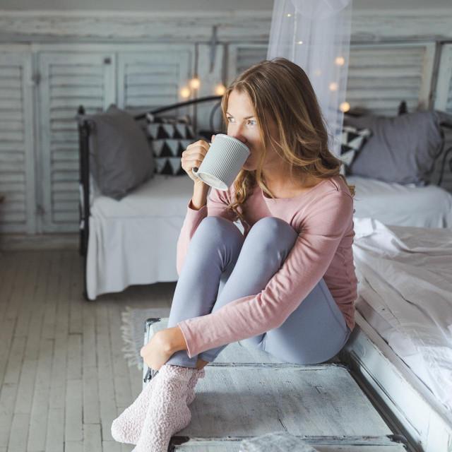 Ako ste i vi, ili netko vama blizak, među onima koji danju ne funkcioniraju kako bi trebali i htjeli zbog manjka sna, krajnje je vrijeme da nešto poduzmete jer vam od nespavanja može stradati zdravlje, ali i linija