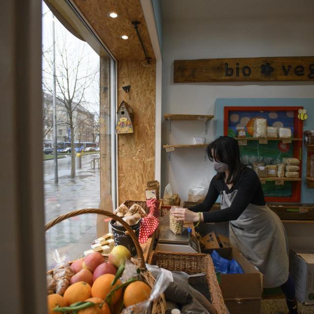Ilustracija: Trgovina zdravom hranom